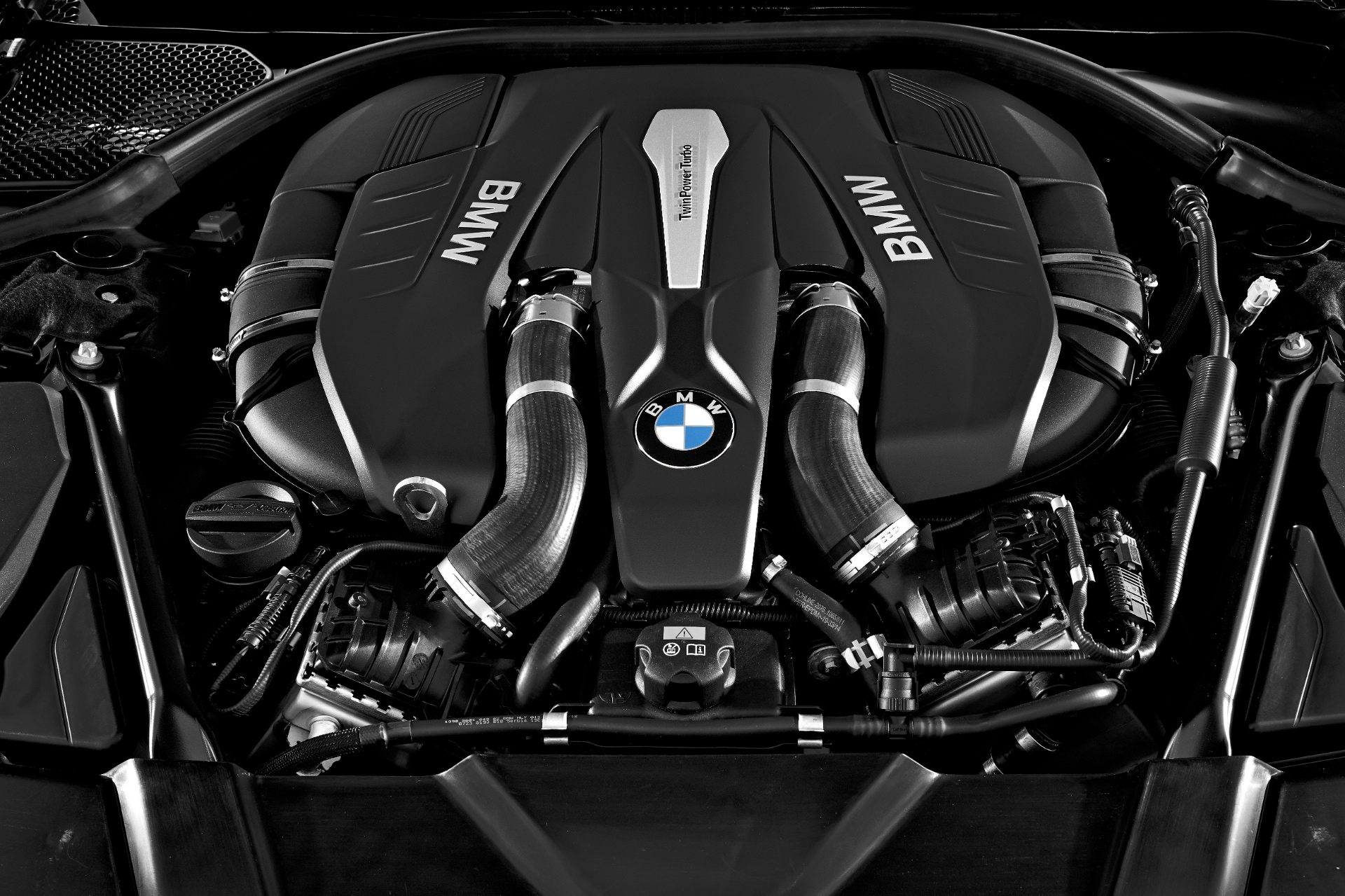 2016-bmw-7-series-engine-line-up-revealed-in-full-96540_1