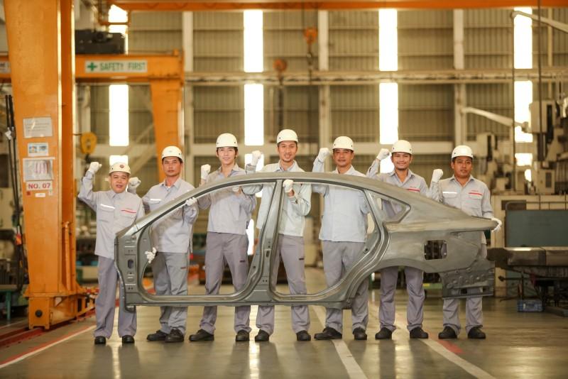 3) โรงงานแรกในเมืองไทยที่มีศักยภาพการผลิตชิ้นส่วน Bodyside Outer