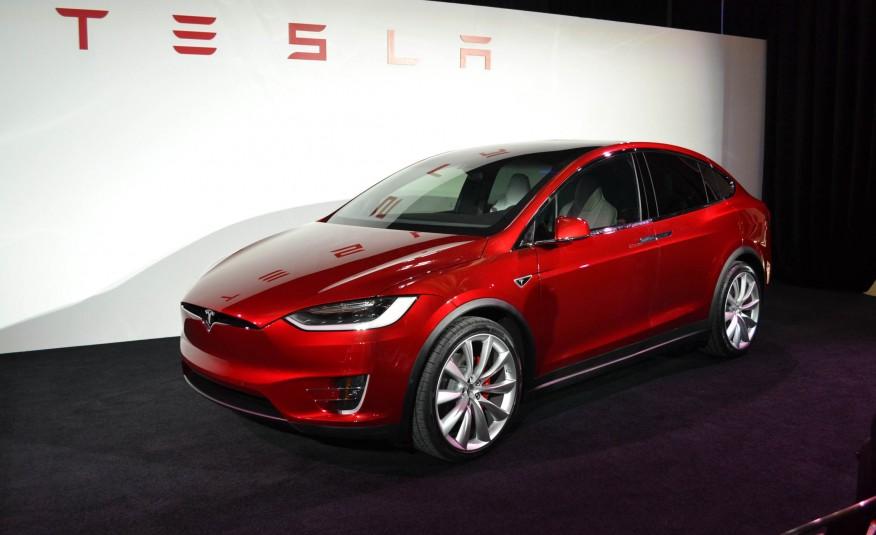 2016 Tesla Model X 102 876×535