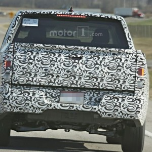 2017 Honda Ridgeline Spy Photo (2)