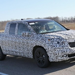 2017 Honda Ridgeline Spy Photo (3)