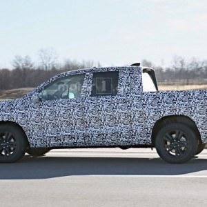 2017 Honda Ridgeline Spy Photo (7)