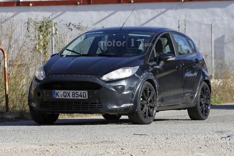 Ford Fiesta Test Mule Spy Photo (6)