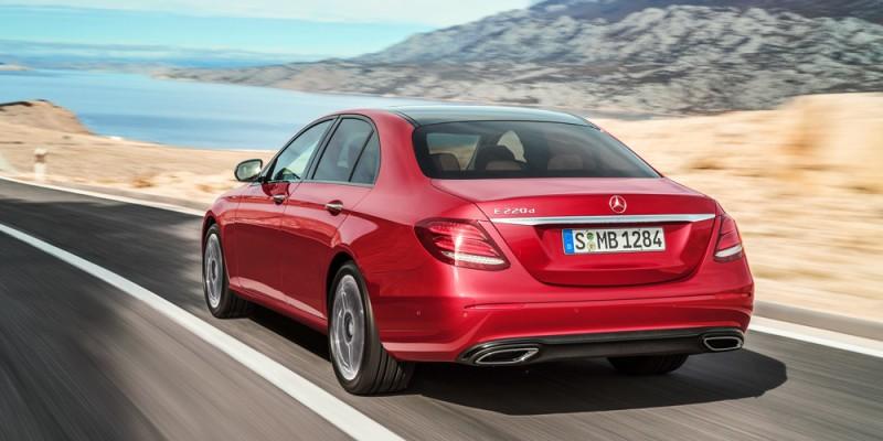 Mercedes_EClass_220d_rtq_driving