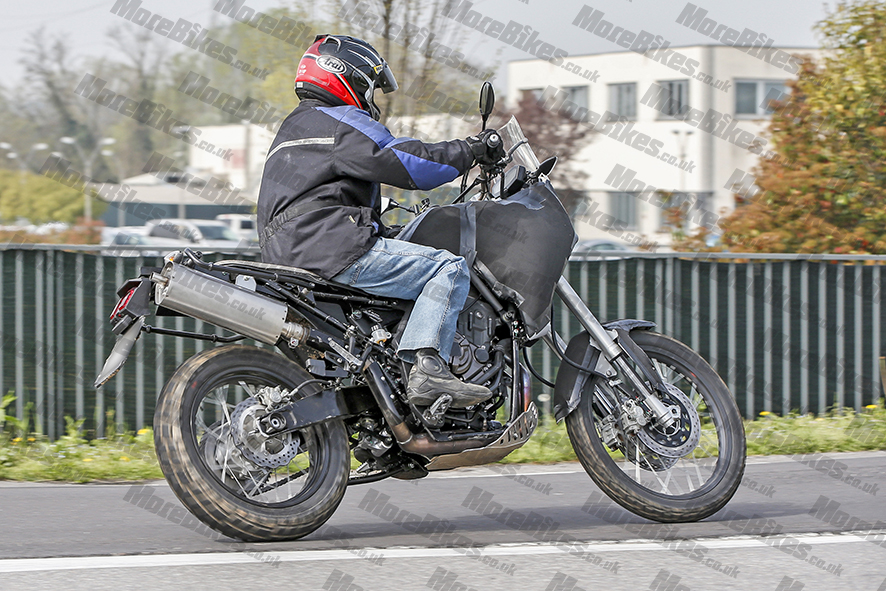 Yamaha MT 07 Ténéré 04 WEB