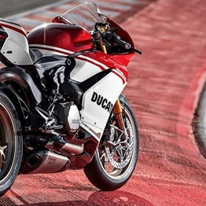 Ducati 8 2