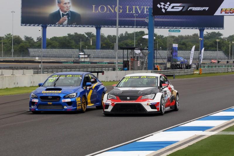 25.10.2015 - Race 1, Alain Menu (SUI) Subaru STi TCR, Top Run Motorsport And Tin Sritrai (THA) SEAT León, Asia Racing Team