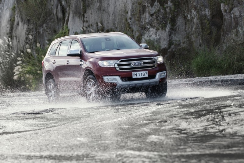 Ford Everest Rainy Day Road Trip (2)