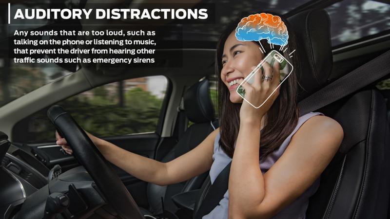 คุณอาจคิดว่าเราสามารถแชทหรือคุยโทรศัพท์ขณะขับรถได้ แต่จริงๆ แล้ว สมองของเราแยกการทำงานไม่ได้