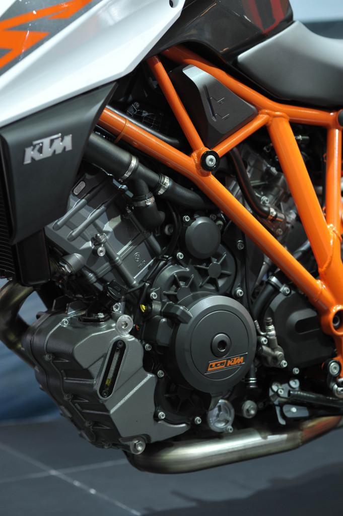 KTM 1290 SUPER DUKE R (FO1_3808)resize