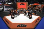 """เคทีเอ็ม แรงกระหึ่มมอเตอร์โชว์ ครั้งที่ 39 เผยโฉมสุดยอดปีศาจสีส้มตัวฉกาจ """"KTM 1290 SUPER DUKE R"""" ซุปเปอร์เน็คเค็ดไบค์ อย่างเป็นทางการครั้งแรกในประเทศไทย"""