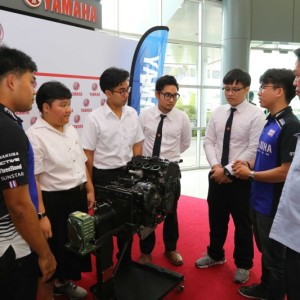 07 ยามาฮ่ามอบเครื่องยนต์ YZF R6 สนับสนุนนักศึกษา ม.ธรรมศาสตร์.txt