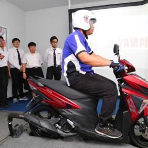 10 ยามาฮ่ามอบเครื่องยนต์ YZF R6 สนับสนุนนักศึกษา ม.ธรรมศาสตร์.txt