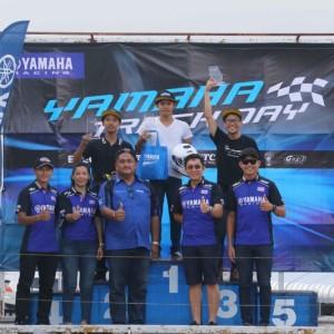 16 ยามาฮ่าตอกย้ำผู้นำมอเตอร์สปอร์ตตัวจริง จัดกิจกรรม YAMAHA R Series Track Day