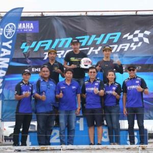 17 ยามาฮ่าตอกย้ำผู้นำมอเตอร์สปอร์ตตัวจริง จัดกิจกรรม YAMAHA R Series Track Day