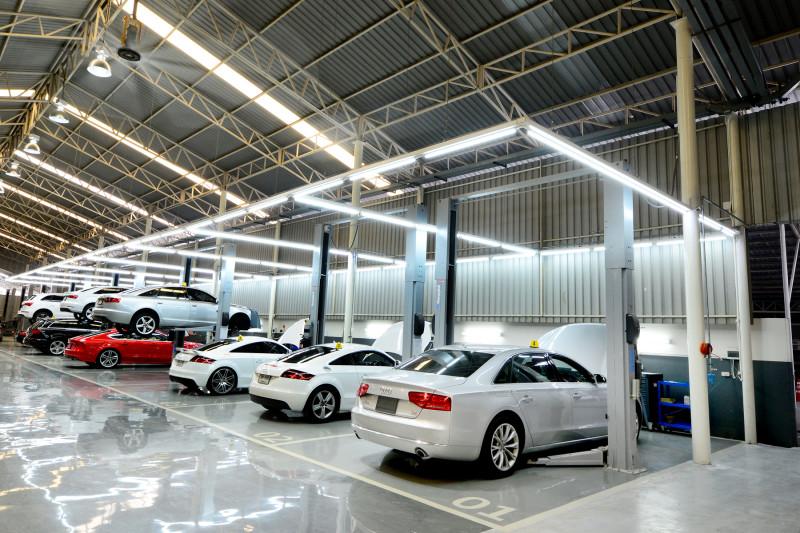 ฝนมาแล้ว เป็นลูกค้า Audi อุ่นใจได้เลย  อาวดี้ ประเทศไทย จัดแคมเปญบริการหลังการขาย ตรวจเช็คสภาพฟรี 40 รายการ  พร้อมโปรโมชั่นส่วนลดค่าอะไหล่ 10% ตั้งแต่วันนี้ – 31 กรกฎาคม 2561