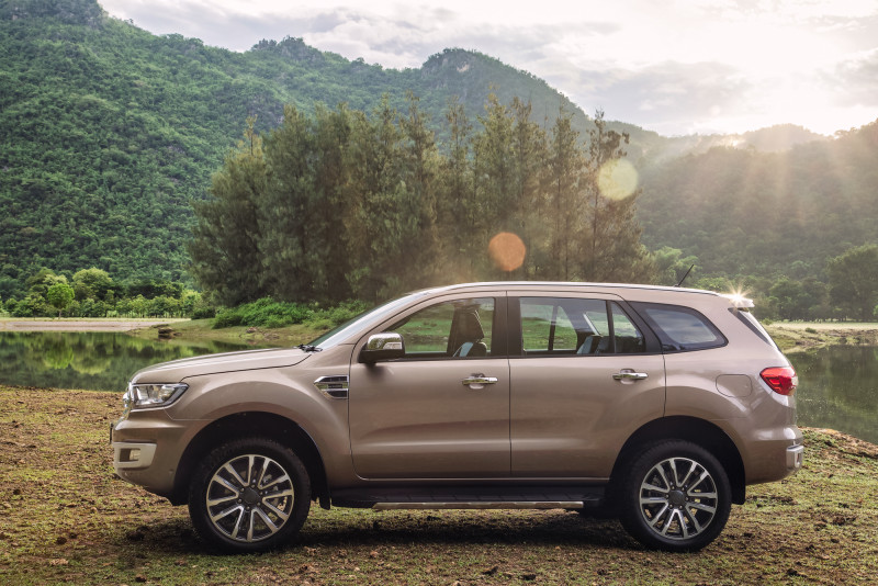 2018 Ford Everest (1)