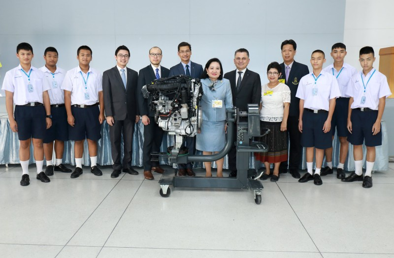 BMW Engine Donation To Chitralada Vocational School (1)