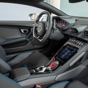 6. ดีไซน์ภายใน Lamborghini Huracán EVO
