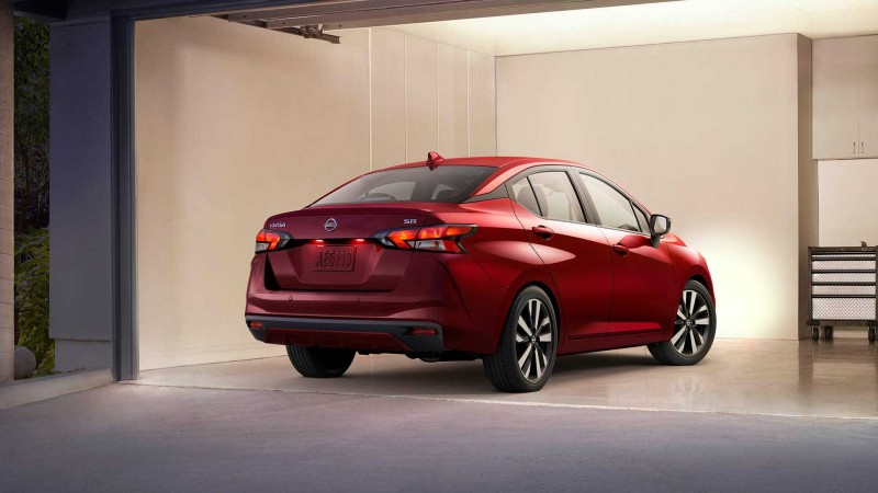 2020-nissan-versa-unveil 02