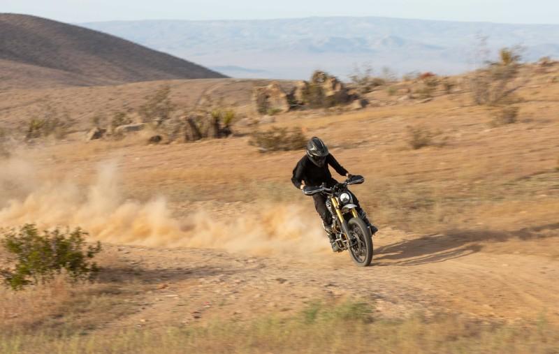 Pic_Triumph_Maxican 1000 (3)