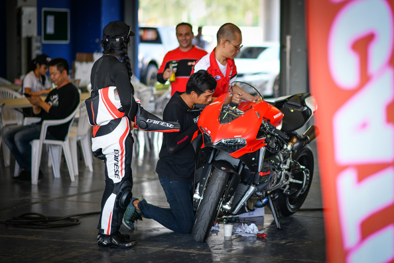 Ducati Teachnician Team_1