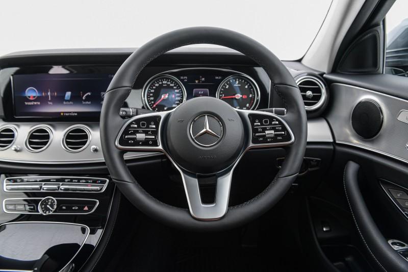 MBTh_Mercedes-Benz E 22 0 Sport_Interior (9)