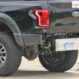 Ford Raptor Bronco Mule Spy Photo (1)