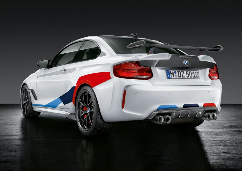 BMW-M2-Competition-with-original-accessories-2