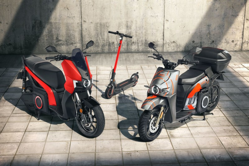 SEAT MO Electric Scooters 1
