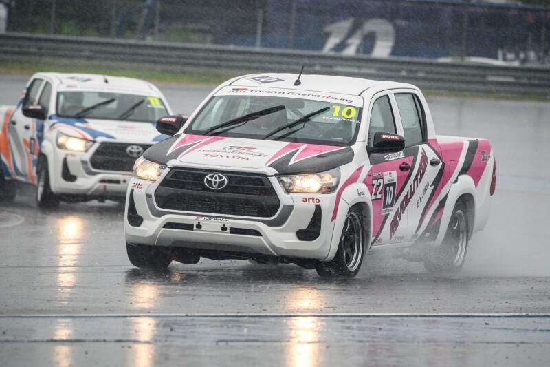 """ผลรอบ Qualifying ในการแข่งขัน """"Toyota Executive Charity Race"""""""