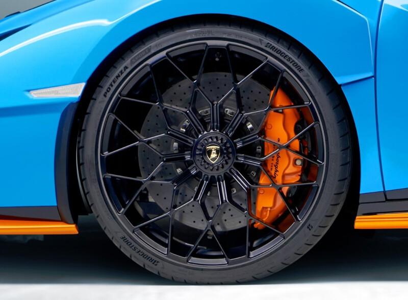 Thumbnail Bridgestone Huracan STO Detail